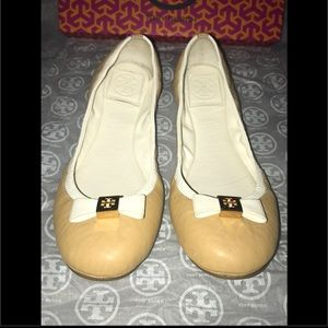Tory Burch tan and white bow flats